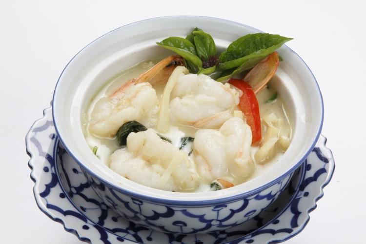 Crevettes au curry vert et au lait de...