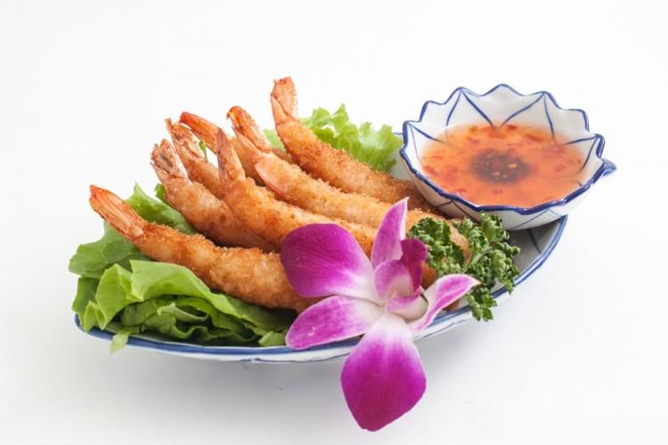 Beignets crevettes avec sa sauce chili